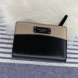 NWT Kate Spade Jeanne black colorblock wallet